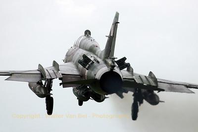 Sukhoi Su-22UM3K, on final at Geilenkirchen, in awful weather conditions...but still an impressive sight!