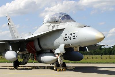 SpAF_EF-18B_Ala15_C15-6_15-75_ETNG_20070617_CRW_8930_RT8_WVB_1200px
