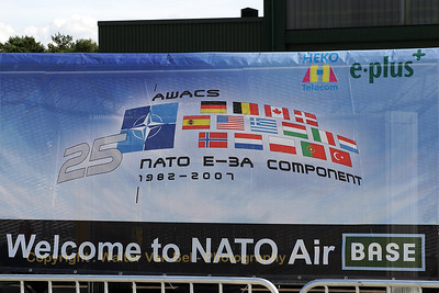 Geilenkirchen_welcome to NATO Air BASE_20070617_CRW_8995_RT8_WVB