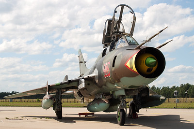 "Polish Su-22UM ""Fitter"" from 8.elt in the static at Geilenkirchen (ETNG)."