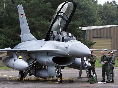 JordanianAF_F-16BM-ex-FB-04_138_cn6J-4_EBBL_20080910_IMG_4579_WVB_1200px