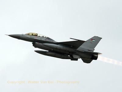JordanianAF_F-16BM-ex-FB-08_139_cn6J-8_EBBL_20080910_IMG_4616_WVB_1200px