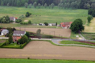 Berlaar_Liersesteenweg_Spoorwegovergang_Bell-206L_Longranger_OO-KBT_20070506_CRW_7915_RT8_WVB_1200px