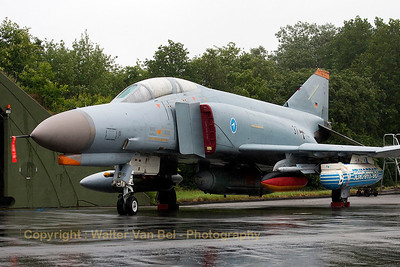 One of the two WTD61 Phantom's present at Wittmund. This one (37+15, cn4385) is carrying the MSSP Sensor Pod (designed to evaluate missile sensor technology) under its left wing.