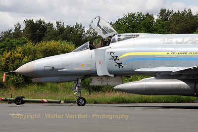Close-up of the last German Air Force F-4F Phantom II that received depot level inspection at the aircraft maintenance facility at Jever. The special c/s also remembers the 45th anniversary of the Luftwaffeninstandhaltungsgruppe 21 (LIG).