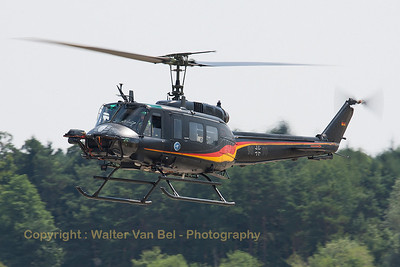 The modified UH-1D HUEY (98+98, n8358) from WTD61, with special Flighttest Equipment on the nose.