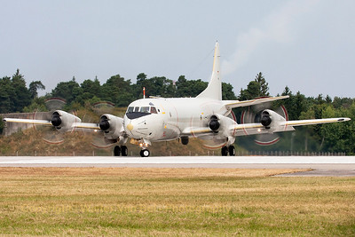 German Navy P-3C Orion (60+07, cn285E-5774), turning onto the active runway after a quick stop-over at ETSI.