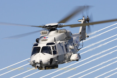 The Dutch Navy NH-90 putting up an amazing show-performance, in front of Rotterdam's famous Eramus-bridge.