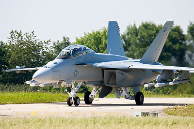 Mission almost completed for this US Navy F/A-18F Super Hornet (168890) from VFA-106, TDY at Florennes Air Base.