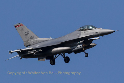 """A USAF F-16CM (91-0407; SP; cnCC-105) from the 480th FS """"Warhawks"""" is turning final for RWY05 at Spangdahlem Air Base."""