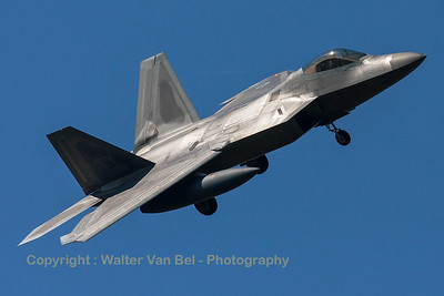 This USAF F-22A Raptor (05-4098; TY; cn645-4098) had to return to Spangdahlem Air Base because of problems with the planned tanker support to cross the Atlantic. It is seen here turning final for RWY05 at ETAD.