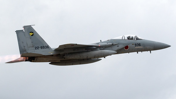 "A JASDF F-15J (22-8936; cn136) from 306 Hikotai (Golden Eagle), seen here on take-off from Hyakuri's RWY03R. The 306th Tactical Fighter Squadron is a squadron of the 6th Air Wing of the Japan Air Self-Defense Force, based at Komatsu Air Base, in Ishikawa Prefecture, Japan. The squadron's aircraft carry a golden eagle as their tail marking, inside a stylized ""6"" indicating the 6th Air Wing. The golden eagle can be found in the mountains near Komatsu air base, and is also the prefectural bird of Ishikawa."