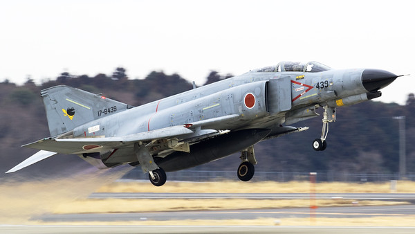JASDF F-4EJ-KAI (17-8439; cnM139)  from 301 Hikotai (Frogs), seen here on take-off from Hyakuri's RWY03R, at the start of another training session.