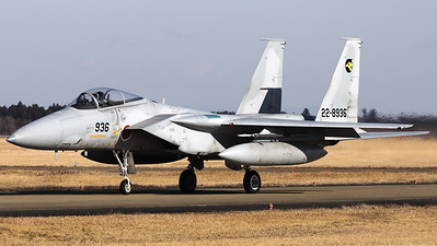 """Nice visitor, a JASDF F-15J (22-8936; cn136) from 306 Hikotai (Golden Eagle), on the taxiway at Hyakuri. The 306th Tactical Fighter Squadron is a squadron of the 6th Air Wing of the Japan Air Self-Defense Force, based at Komatsu Air Base, in Ishikawa Prefecture, Japan. The squadron's aircraft carry a golden eagle as their tail marking, inside a stylized """"6"""" indicating the 6th Air Wing. The golden eagle can be found in the mountains near Komatsu air base, and is also the prefectural bird of Ishikawa."""