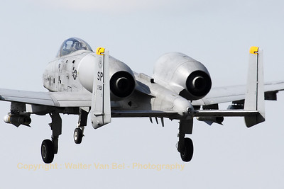 "A Spangdalem based A-10C (81-0991/SP; cn: A10-0686) performing a low pass over RWY28 at Gilze-Rijen, during the ""GRAS""-organized spottersday."