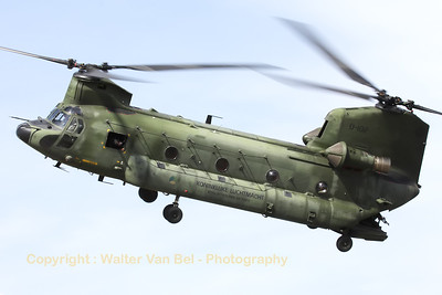 "A Royal Netherlands Air Force CH-47D Chinook approaches Gilze-Rijen Air Base, during the ""GRAS""-organized spottersday."