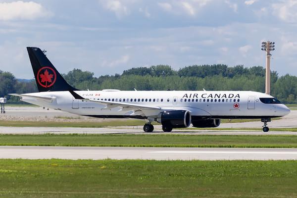 Air Canada A220-300 (C-GJYA)-2_Lufthansa A350-900 (D-AIXE)_A0085