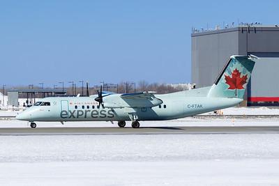 Air Canada Express Dash 8-300 (C-FTAK)