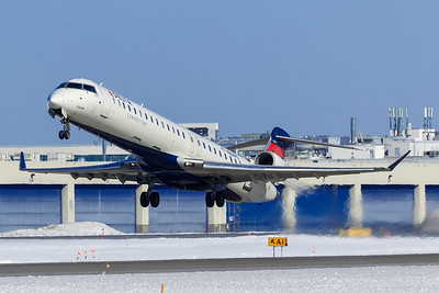 Delta Connection CRJ-900 (N304PQ)