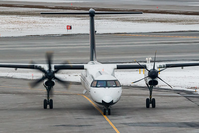 Air Canada Express Dash 8-400 (C-GGOY)
