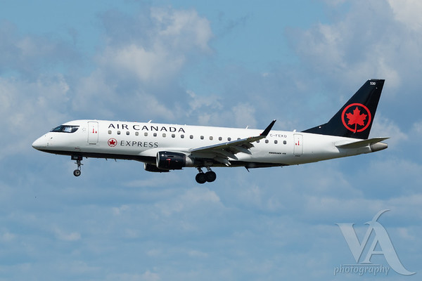 Air Canada Express EMB-175 (C-FEKD)_A0087