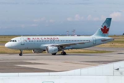 Air Canada A320-200 (C-FNVV)