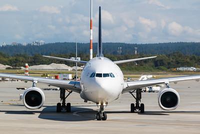 Air Canada A330-300 (C-GHLM)-2
