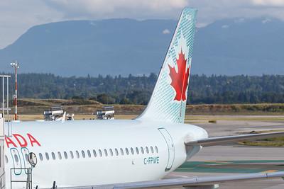 Air Canada A320-200 (C-FPWE)