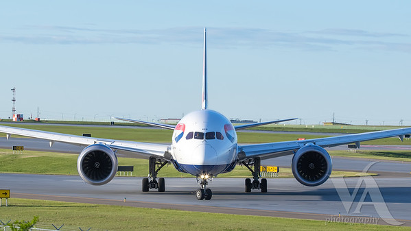 British Airways B787-9 (G-ZBKB)_2