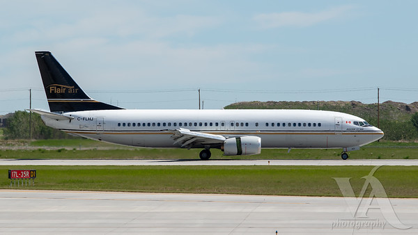 Flair Airlines B737-400 (C-FLHJ)