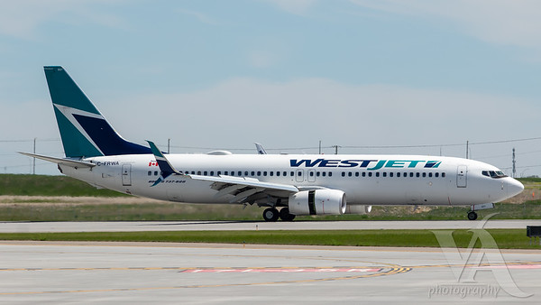 WestJet B737-800 (C-FRWA)