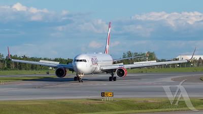 Air Canada Rouge B767-300 (C-FMWQ)_1
