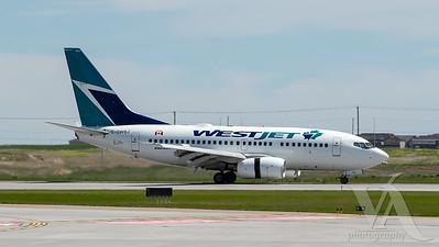 WestJet B737-600 (C-GWSJ)