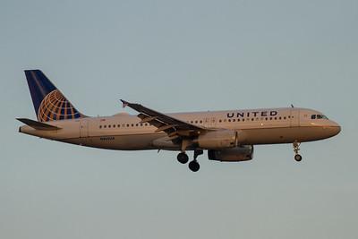 United Airlines A320-200 (N465UA)