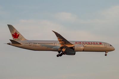 Air Canada B787-9 (C-FGEI)