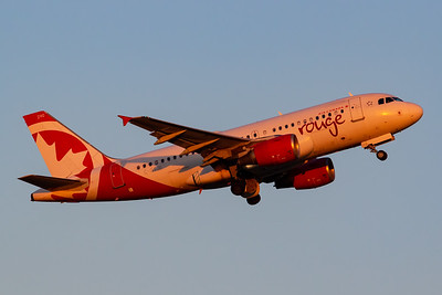 Air Canada Rouge A319-100 (C-GSJB)