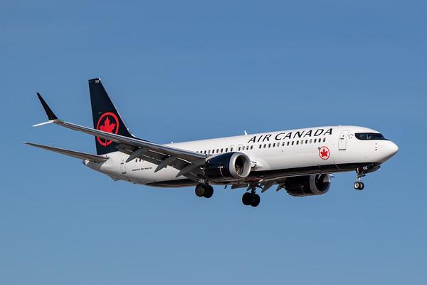 Air Canada B737 MAX8 (C-FSJJ)