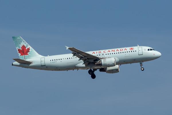 Air Canada A320-200 (C-GJVT)