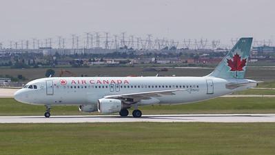 Air Canada A320-200 (C-FNVU)