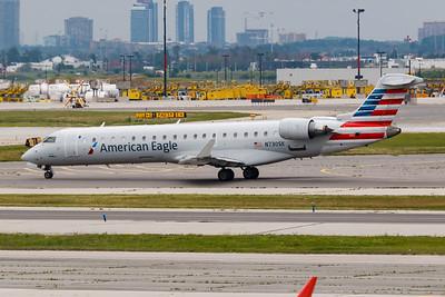 American Eagle CRJ-700 (N730SK)