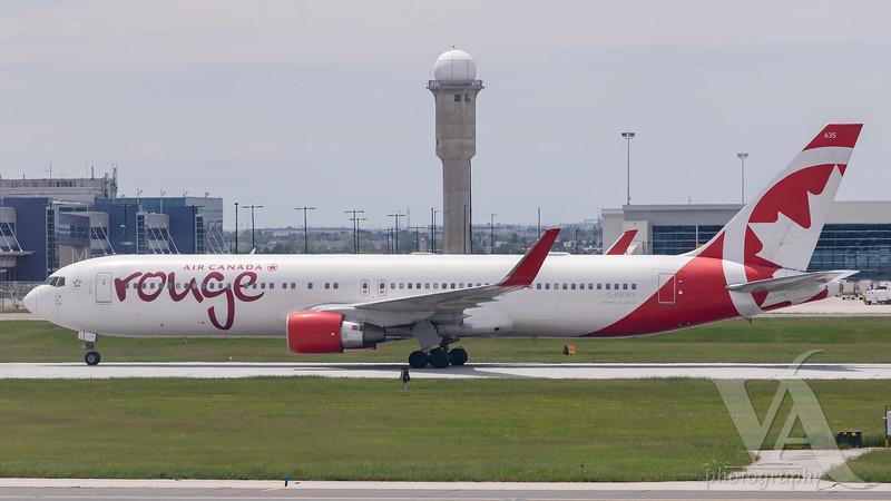 Air Canada Rouge B767-300 (C-FMWY)