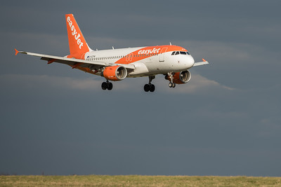 Easyjet - On Approach - Stansted #aviationphotography #aviationlovers #aviationgeek #aviationlife #aviation #piloteyes #pilotslife #pilotlife #pilot #instaaviation #instapilot #instaviation #megaplane #airplane #aircraft #airlinepilot  #instaplane #avgeek #planeporn #airport #pilot #photographer #picoftheday #photodaily #photogram #aviationspotter #air #flightglobal #aviationnews #flypast