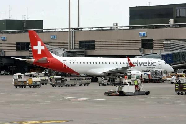 Helvetic Airways Embraer ERJ-190 HB-JVO, Zurich, Tues 16 June 2015 - 1537.