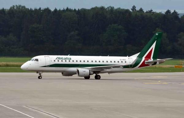 Alitalia Embraer ERJ-175 EI-RDC, Zurich, Tues 16 June 2016 - 1656.