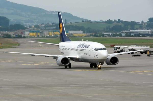 Lufthansa Boeing 737-500 D-ABJB, Zurich, Tues 16 June 2016 - 1713.