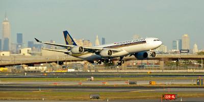 USA: New Jersey - Newark Liberty International Airport (EWR / KEWR), 2010