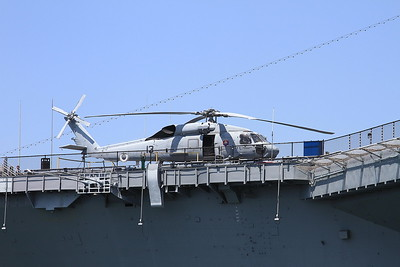 Sikorsky SH-60F Seahawk, 164079 / RA-13, displayed on the deck of USS Midway - 31/08/16.