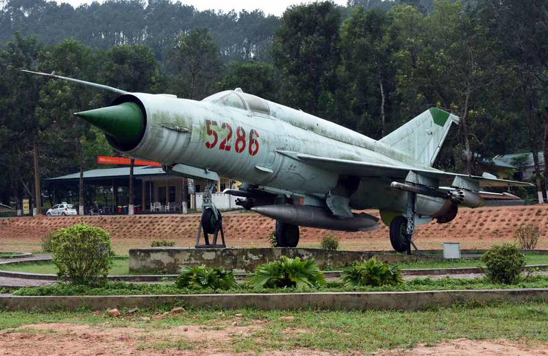 MiG-21 5286, Dong Loc road junction, 8 March 2018.