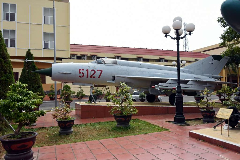 MiG-21 5127, Museum of Military Zone 5, Da Nang, 12 March 2018 1.