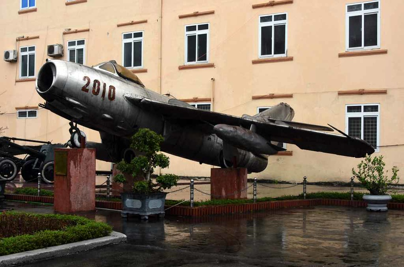 MiG-17F 2010, Museum of Military Zone 4, Vinh, 8 March 2018 1.